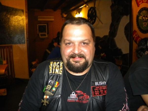 Bushy37, barbat, 42 ani, Roman