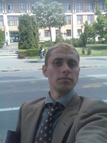 yuzenek, barbat, 29 ani, Iasi