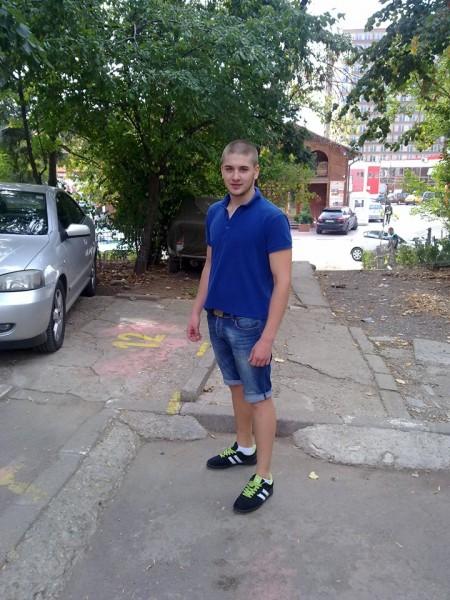 oAllexxx, barbat, 23 ani, BUCURESTI