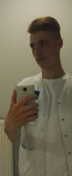 tomitaionut, barbat, 22 ani, Brasov