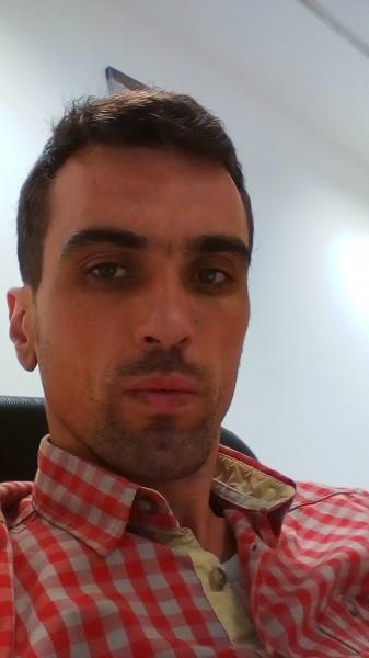 Catalinpetre21, barbat, 35 ani, BUCURESTI