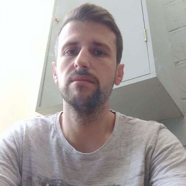 Mirrors, barbat, 33 ani, Germania