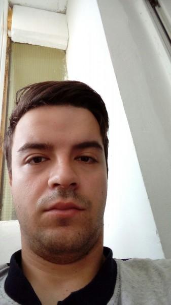 Flo213, barbat, 28 ani, BUCURESTI