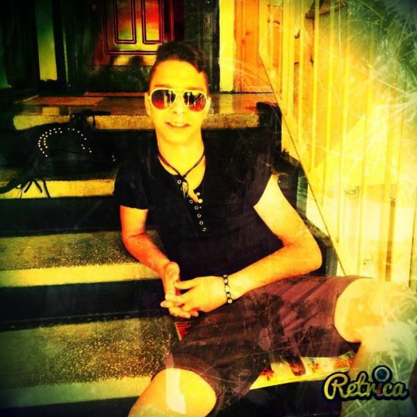 razvanelRO, barbat, 22 ani, Bacau