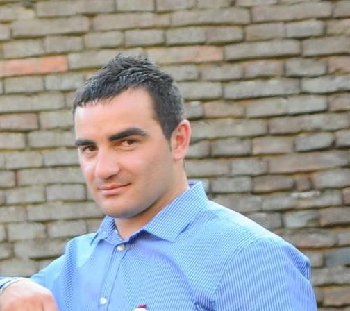 EmilianAxinte, barbat, 32 ani, Cluj Napoca