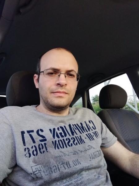 LaurentiuBuzau, barbat, 31 ani, Buzau
