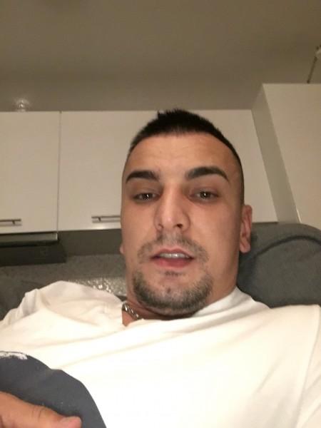 AlexValentin26, barbat, 27 ani, Galati