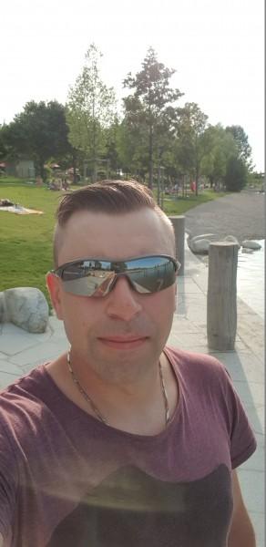 Gaby85, barbat, 33 ani, Bacau