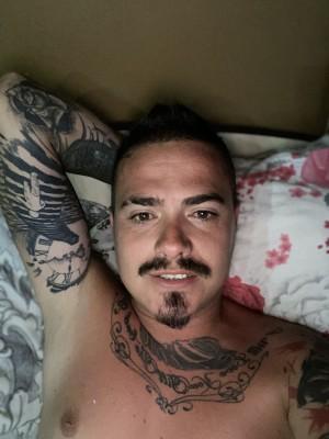 Dorin96, barbat, 32 ani, Hunedoara