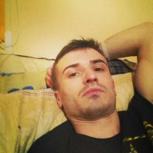 Slimbody, barbat, 25 ani, BUCURESTI