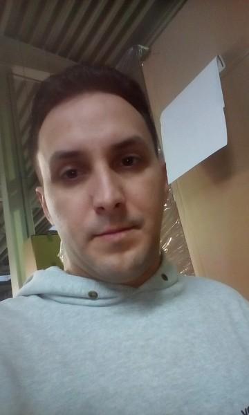 Lucian_87, barbat, 32 ani, Sibiu
