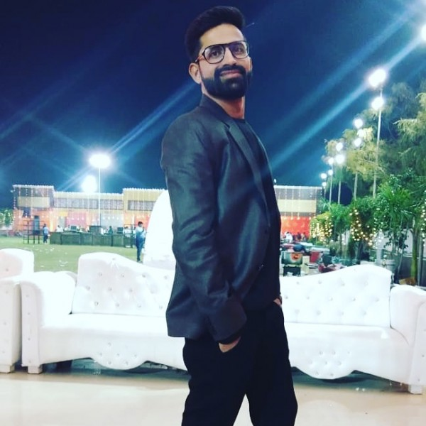 Rjravi270, barbat, 29 ani, India