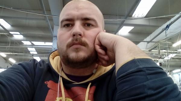 Suru30, barbat, 31 ani, Arad
