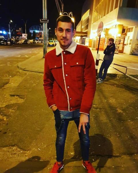 Pavelionut23, barbat, 21 ani, Bacau