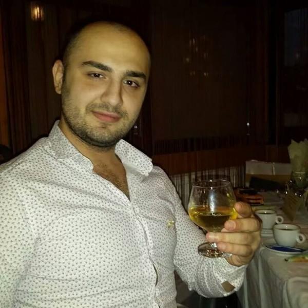 roberttino92, barbat, 26 ani, BUCURESTI