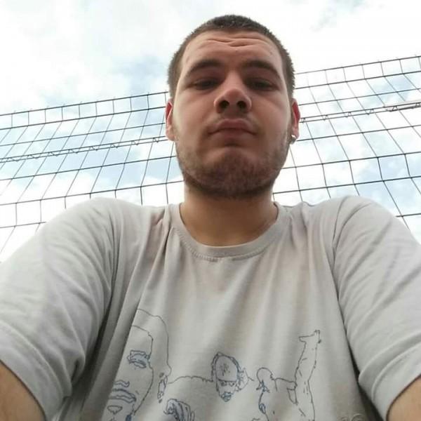 Mihaiit, barbat, 22 ani, Lugoj