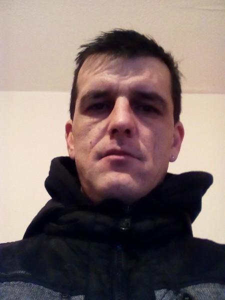 M21978, barbat, 41 ani, BUCURESTI