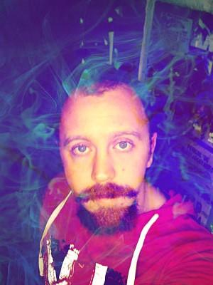 HelloSickStoned, barbat, 28 ani, Iasi