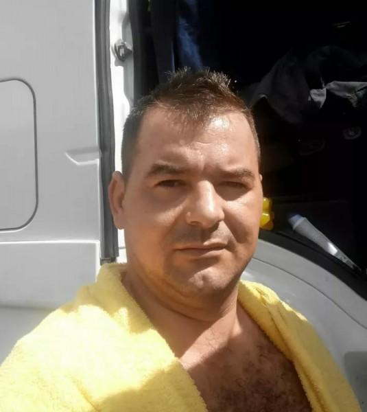 Ionutu38, barbat, 38 ani, Ramnicu Valcea