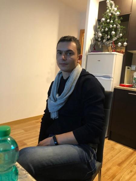 ValentinValentin40, barbat, 41 ani, Turnu Magurele