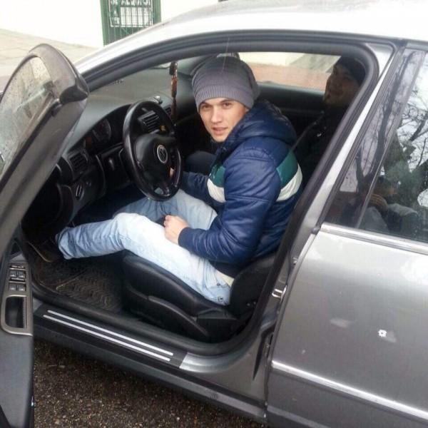MariusDaniel28, barbat, 30 ani, Romania