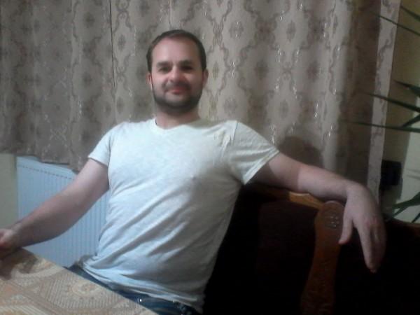 petrovandaniel, barbat, 41 ani, Sighetu Marmatiei