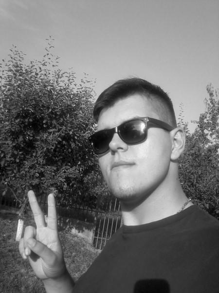 ChrisVaugh, barbat, 27 ani, Slatina