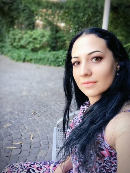 syrena, femeie, 25 ani, Romania