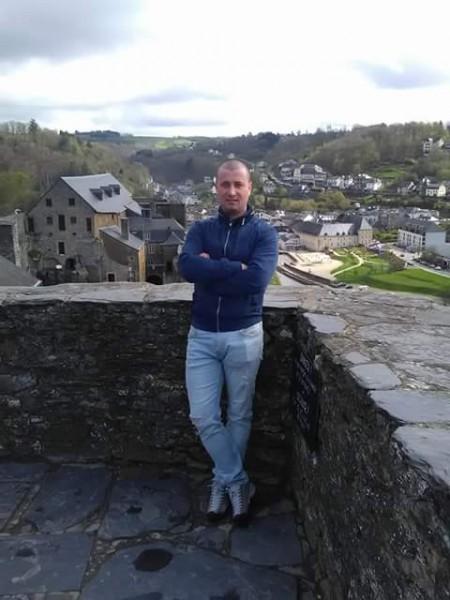 Adi_Dogaru, barbat, 32 ani, Belgia