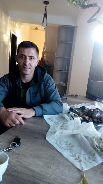 30Alexandru, barbat, 41 ani, Slatina