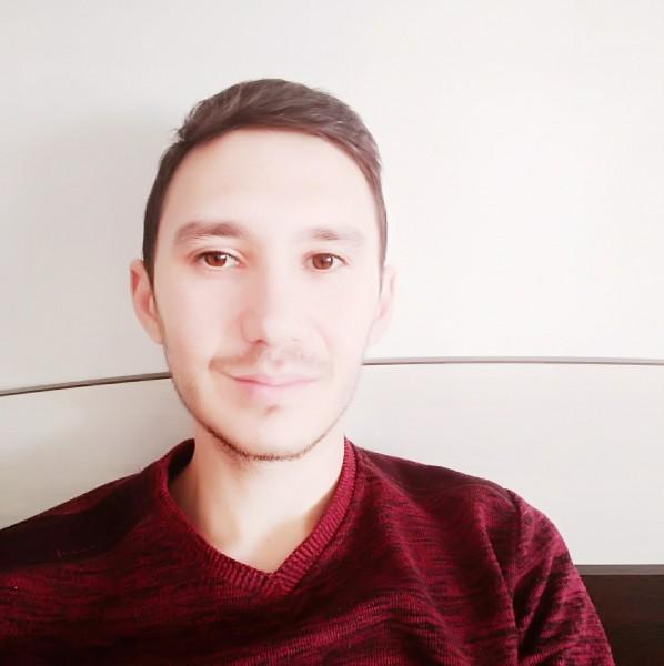 RobertLicarete, barbat, 27 ani, Targu Jiu