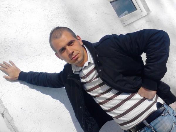andy000009, barbat, 26 ani, Romania