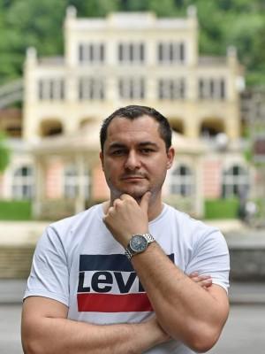 presidentofromania, barbat, 38 ani, BUCURESTI