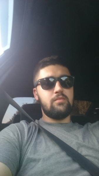Teo09, barbat, 24 ani, BUCURESTI