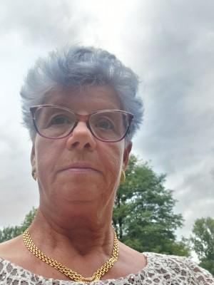 Victoria57, femeie, 63 ani, Canada
