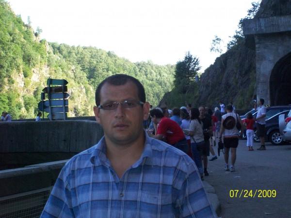 AdrianO_78, barbat, 40 ani, Bacau