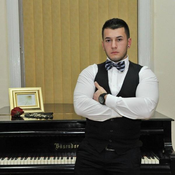 DenisDenys, barbat, 22 ani, Timisoara
