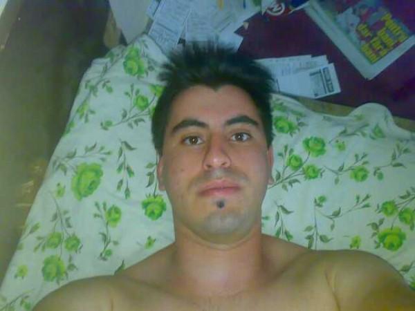 Robertinho2014, barbat, 35 ani, BUCURESTI