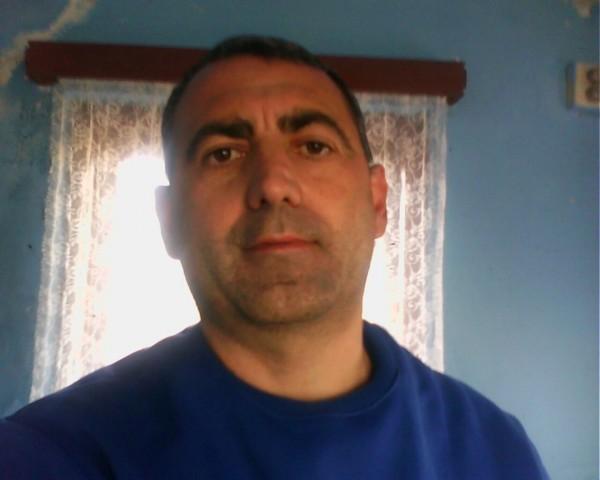 gabucu, barbat, 46 ani, Targu Jiu