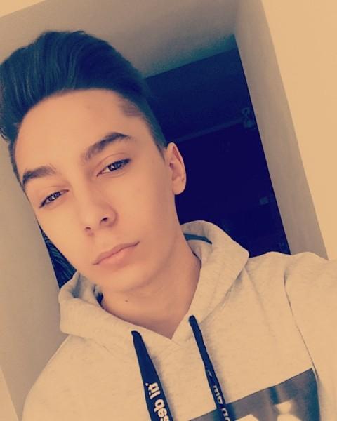cristikrt, barbat, 19 ani, Craiova