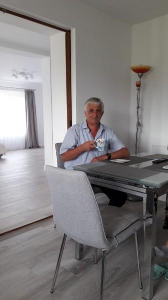 grizonatu, barbat, 57 ani, Pitesti