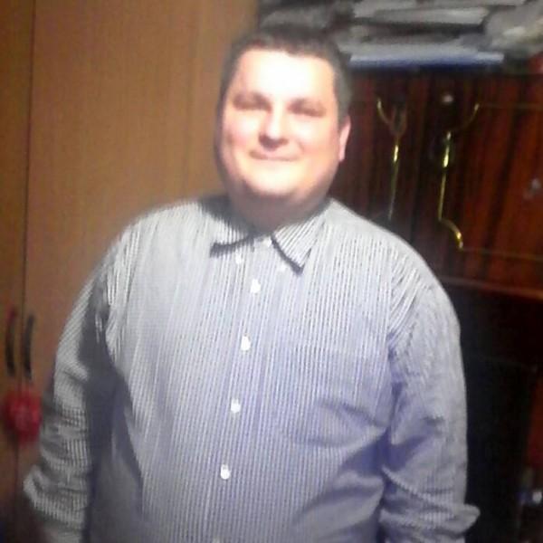 Octav01, barbat, 28 ani, BUCURESTI