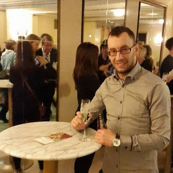 tibby87, barbat, 30 ani, Romania