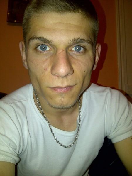 mohammed12345, barbat, 28 ani, Franta