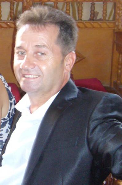 albinaru, barbat, 51 ani, BUCURESTI
