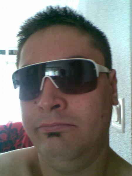radu_john2000, barbat, 28 ani, Drobeta Turnu Severin