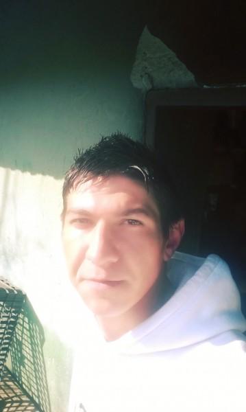 alexbreazu, barbat, 29 ani, Craiova