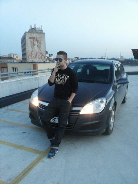 gabri3l_victor, barbat, 32 ani, Arad