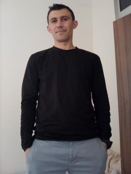 andrew1212, barbat, 36 ani, Bacau