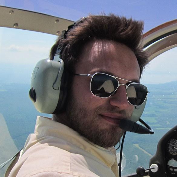 flywithoutwings, barbat, 37 ani, Iasi